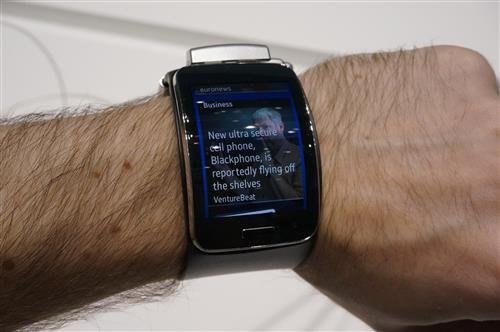 Samsung Gear S sbarca anche in Italia