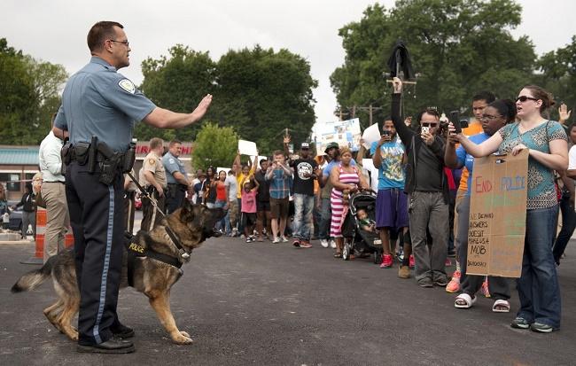 Usa Ferguson il popolo vuole la sentenza del Grand Jury