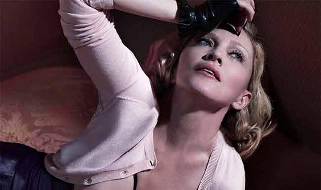 Madonna le droghe e il topless intanto il nuovo album