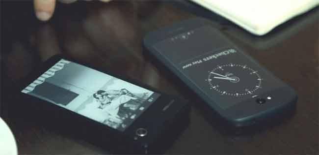 YotaPhone 2 doppio anche il display