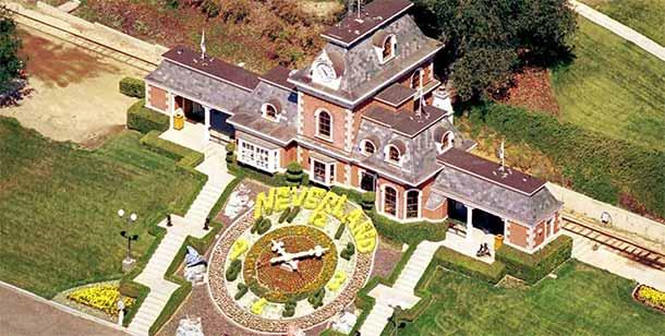 Neverland la storia di Michael Jackson si vende