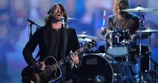 Dave Grohl incidente durante il concerto dei Foo Fighters