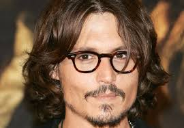 Johnny Depp, spegne 52 candeline accanto alla giovane moglie