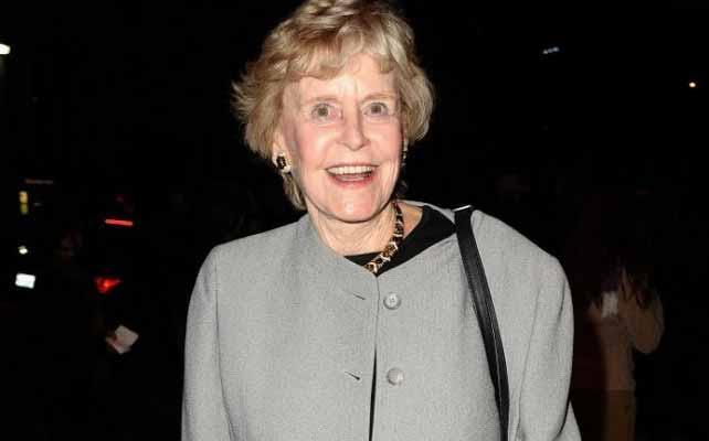 Michael Douglas venuta a mancare la madre Diana Webster