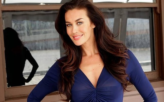 Megan Gale 40 anni come una ventenne