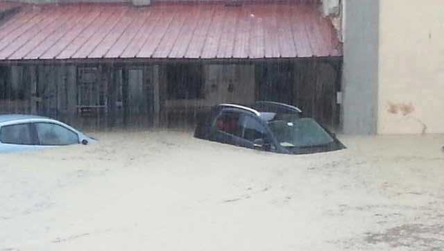Taranto sotto il diluvio ilva chiude