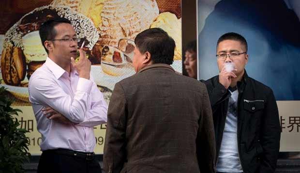 Vizio-del-fumo-un-giovane-cinese-su-tre-rischia-la-vita
