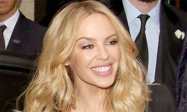 Kylie Minogue sposa il suo giovane fidanzato