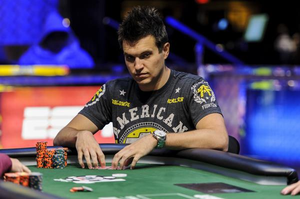 Doug Polk in testa nel $1,000 Tag Team No-Limit Hold'em