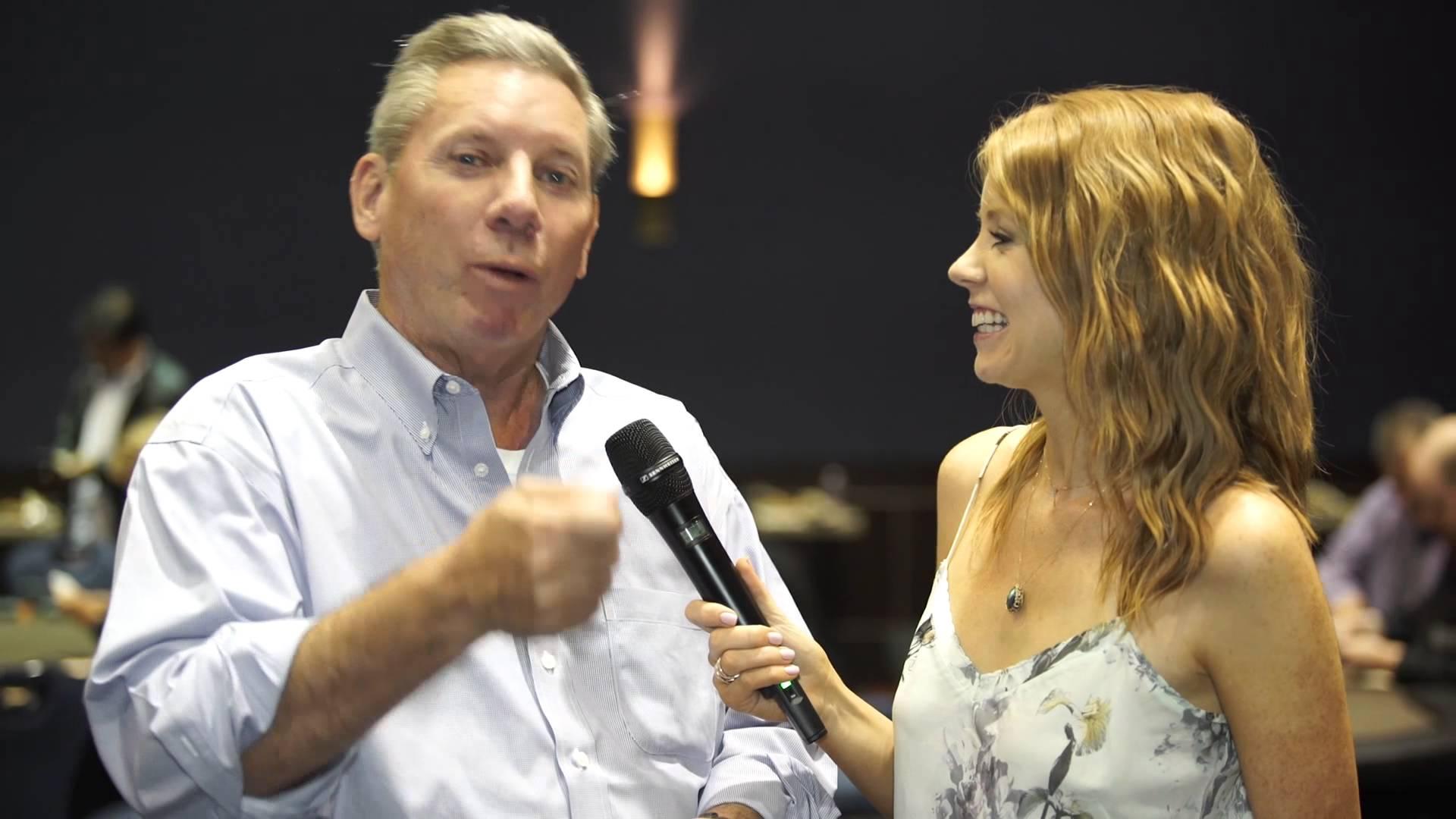 Mike Sexton, la leggenda del poker pubblica Life's a Gamble