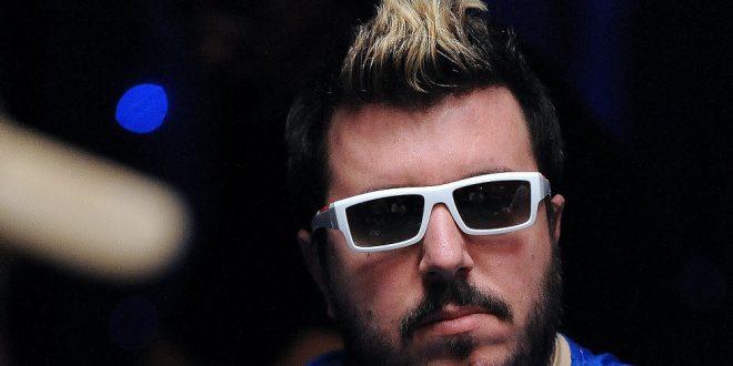 Poker, Max Pescatori pronto a dare lezioni a Federica Pellegrini e Laura Pausini