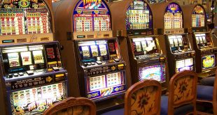 Slot machine bar e tabaccherie addio Stretta governo su gioco d'azzardo